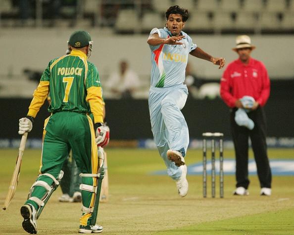 South Africa v India - Twenty20 Super Eights : News Photo