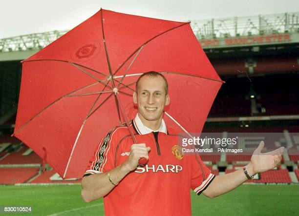 Jaap Stam signs for Man Utd for a fee of 10 million pounds Photo by Dave Kendall/PA