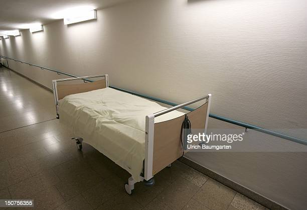 GERMANY BON Single hospital bed stands in a hospital corridor
