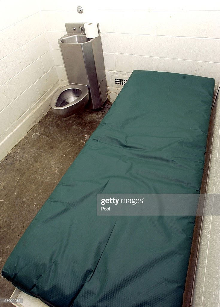 A single occupancy cell is shown at the Santa Barbara County Sheriff Substation May 10, 2005 in Orcutt, California. If convicted, Michael Jackson could be held in this facility.