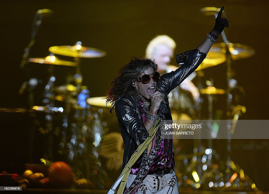 US singler Steven Tyler of Aerosmith performs during a concert in Caracas September 28, 2013.