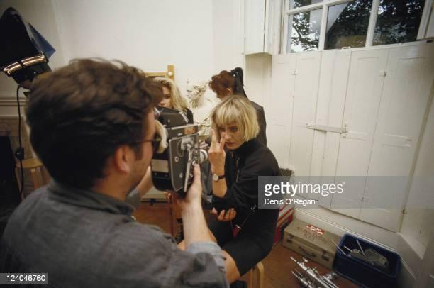 Siobhan Fahey Keren Woodward and Sara Dallin of British pop group Bananarama circa 1986 Siobhan Fahey makes a vsign at the camera