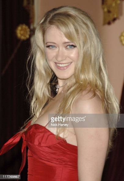 Siobhan Hewlett Nude Photos 13
