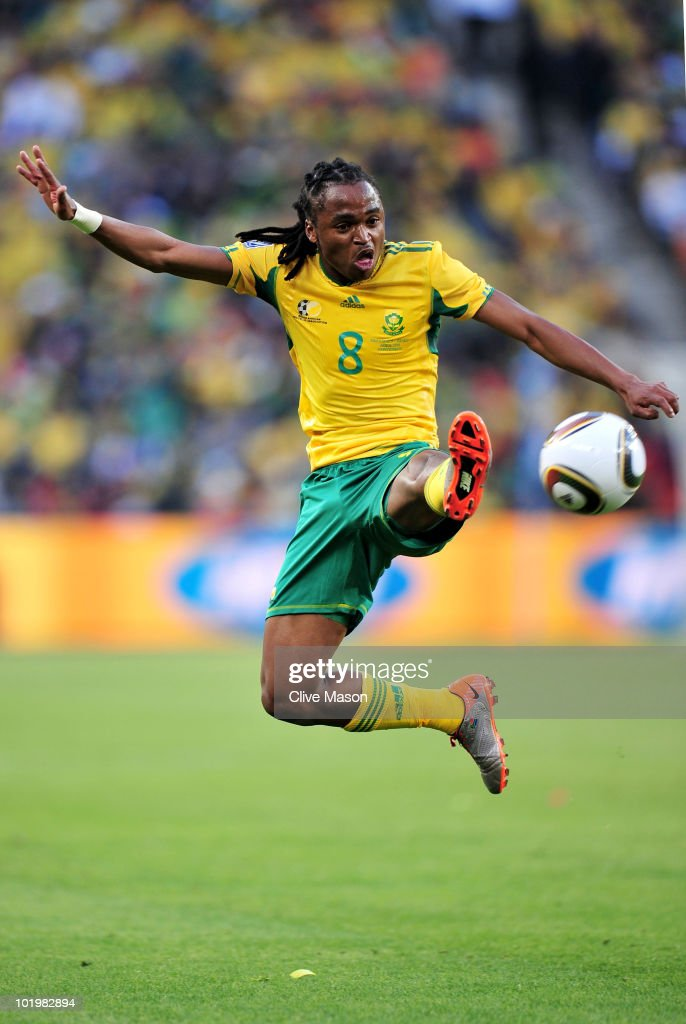 <a gi-track='captionPersonalityLinkClicked' href=/galleries/search?phrase=Siphiwe+Tshabalala&family=editorial&specificpeople=788347 ng-click='$event.stopPropagation()'>Siphiwe Tshabalala</a> of South Africa in action during the 2010 FIFA World Cup South Africa Group A match between South Africa and Mexico at Soccer City Stadium on June 11, 2010 in Johannesburg, South Africa.