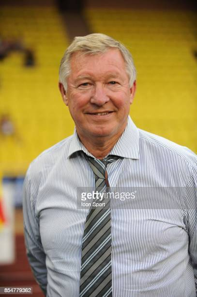 Sir Alex FERGUSON match de football Marseille / Manchester United au profit de l'association caritative de Pascal Olmeta 'Un sourire un espoir pour...