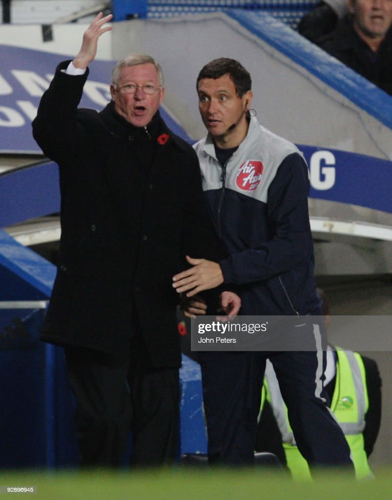 Sir Alex Ferguson of Manchester United complains from the touchline during the FA Barclays Premier League match between Chelsea and Manchester United at Stamford Bridge on November 8 2009 in London, England.