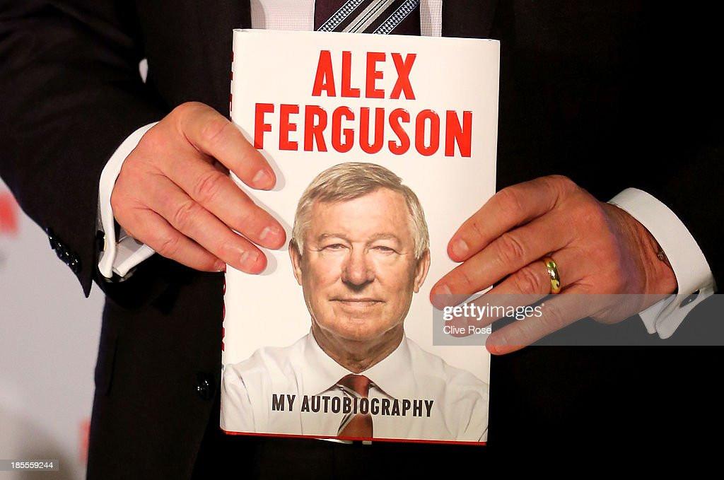 Sir <a gi-track='captionPersonalityLinkClicked' href=/galleries/search?phrase=Alex+Ferguson&family=editorial&specificpeople=203067 ng-click='$event.stopPropagation()'>Alex Ferguson</a> poses during a press conference ahead of the publication of his autobiography at the Institute of Directors on October 22, 2013 in London, England.
