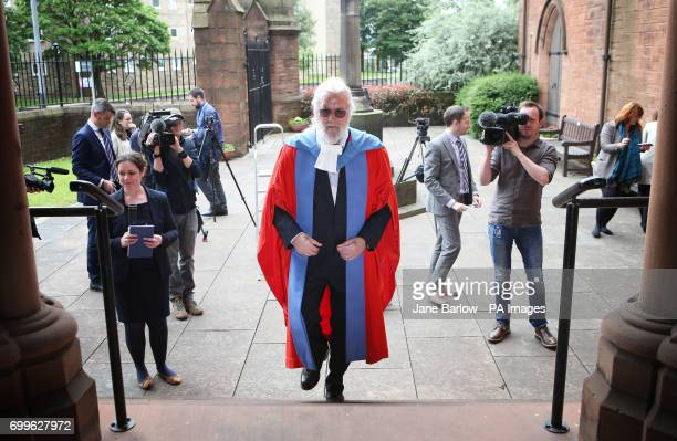 Sir Billy Connolly before receiving his Honorary Doctorate degree from the University of Strathclyde in Glasgow