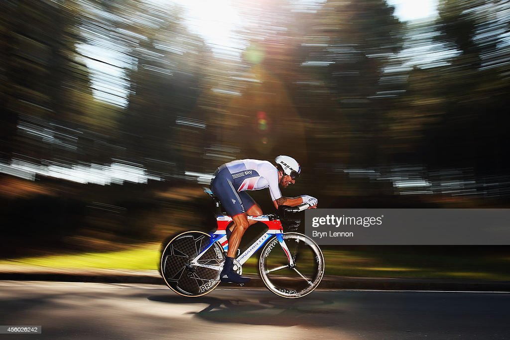 Sir <a gi-track='captionPersonalityLinkClicked' href=/galleries/search?phrase=Bradley+Wiggins&family=editorial&specificpeople=182490 ng-click='$event.stopPropagation()'>Bradley Wiggins</a> of Great Britain in action on his way to winning the Elite Men's Individual Time Trial on day four of the UCI Road World Championships - Day Four on September 24, 2014 in Ponferrada, Spain.