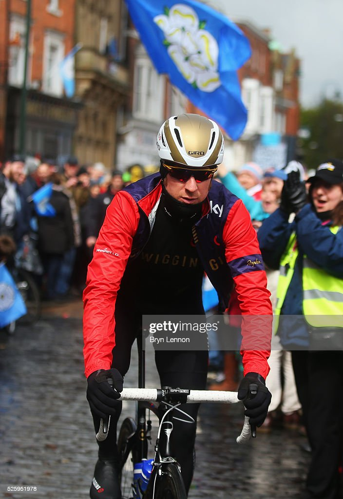 Sir <a gi-track='captionPersonalityLinkClicked' href=/galleries/search?phrase=Bradley+Wiggins&family=editorial&specificpeople=182490 ng-click='$event.stopPropagation()'>Bradley Wiggins</a> of Team Wiggins and Great Britain makes his way to the start prior to the first stage of the 2016 Tour de Yorkshire from Beverley to Settle on April 29, 2016 in Beverley, England.