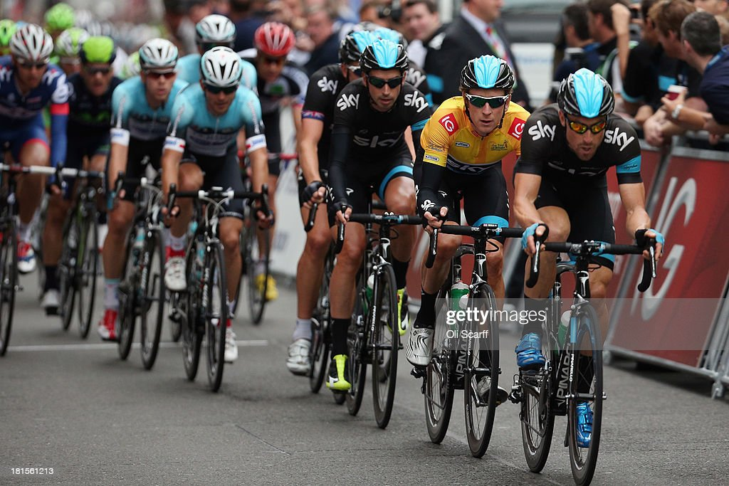 Sir <a gi-track='captionPersonalityLinkClicked' href=/galleries/search?phrase=Bradley+Wiggins&family=editorial&specificpeople=182490 ng-click='$event.stopPropagation()'>Bradley Wiggins</a> (2nd R), riding for Team Sky Procycling, competes in the Tour of Britain in central London on September 22, 2013 in London, England. Today's 89km route along the banks of the river Thames and concluding on Whitehall is the final stage of the race. Sir <a gi-track='captionPersonalityLinkClicked' href=/galleries/search?phrase=Bradley+Wiggins&family=editorial&specificpeople=182490 ng-click='$event.stopPropagation()'>Bradley Wiggins</a>, riding for Team Sky Procycling, won the race with a 26 second advantage.