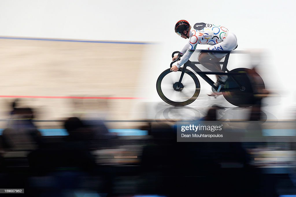 Sir <a gi-track='captionPersonalityLinkClicked' href=/galleries/search?phrase=Chris+Hoy&family=editorial&specificpeople=171259 ng-click='$event.stopPropagation()'>Chris Hoy</a> of Great Britain competes in the Giant Sprint Masters during the Rotterdam 6 Day Cycling at Ahoy Rotterdam on January 5, 2013 in Rotterdam, Netherlands.