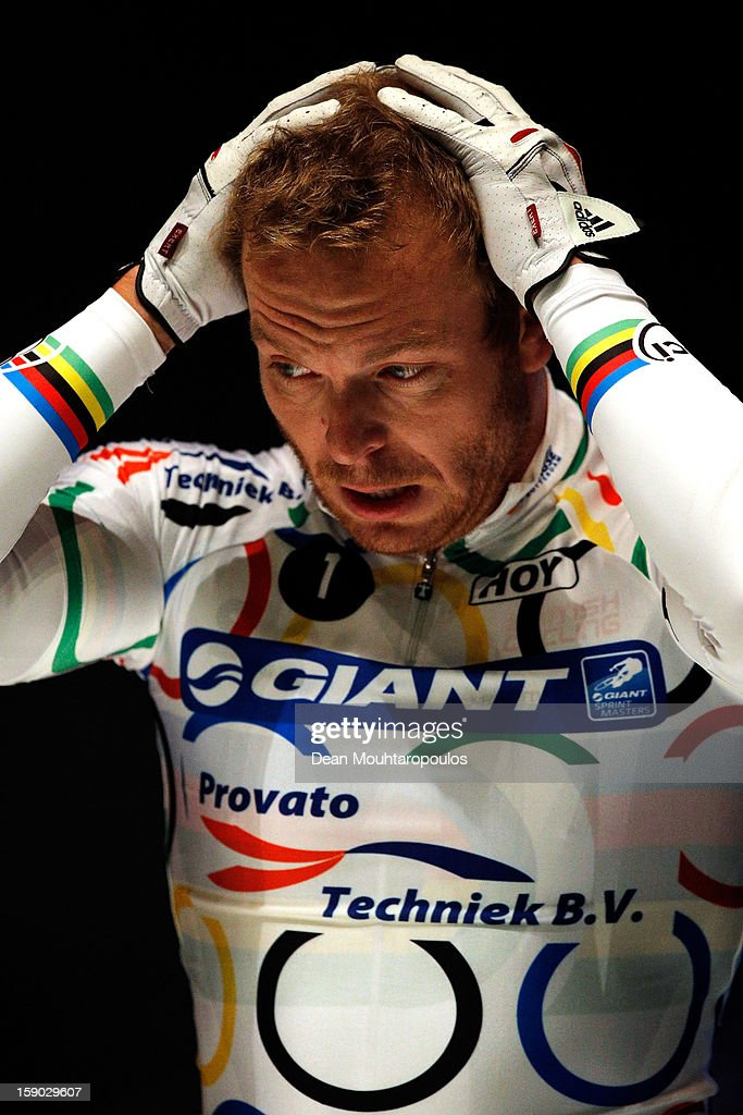 Sir <a gi-track='captionPersonalityLinkClicked' href=/galleries/search?phrase=Chris+Hoy&family=editorial&specificpeople=171259 ng-click='$event.stopPropagation()'>Chris Hoy</a> of Great Britain gets ready to compete in the Giant Sprint Masters during the Rotterdam 6 Day Cycling at Ahoy Rotterdam on January 6, 2013 in Rotterdam, Netherlands.