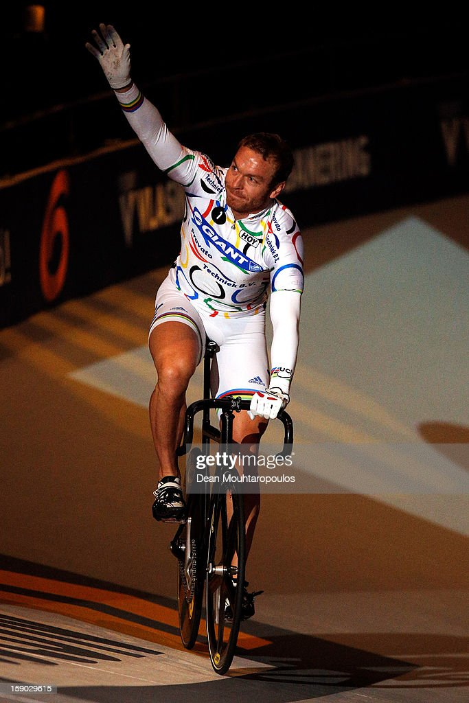Sir Chris Hoy of Great Britain thanks the fans after his race in the Giant Sprint Masters during the Rotterdam 6 Day Cycling at Ahoy Rotterdam on January 6, 2013 in Rotterdam, Netherlands.