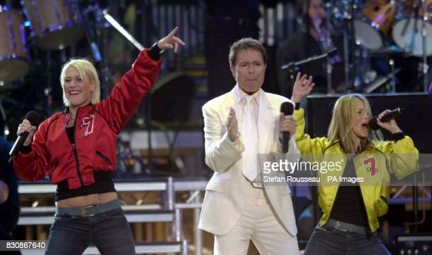Sir Cliff Richard and S Club 7 on stage in the gardens of Buckingham Palace for the second concert to commemorate the Golden Jubilee of Britain's...