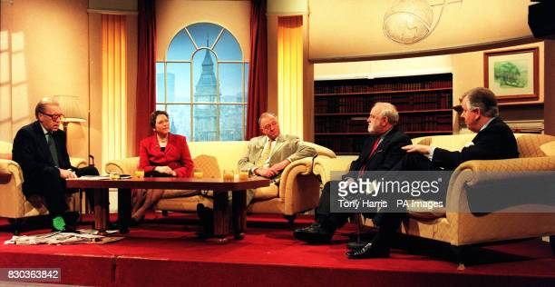 Sir David Frost with the London Mayoral candidates Susan Kramer Ken Livingstone Frank Dobson and Steve Norris appearing on BBC's Breakfast With Frost...