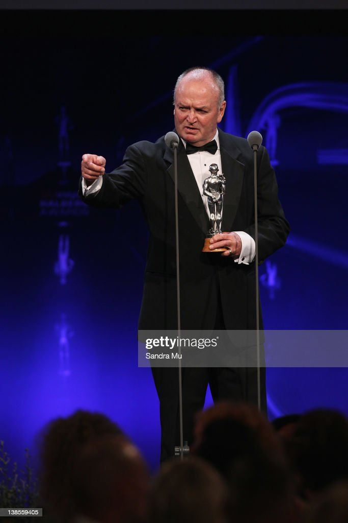 Sir <a gi-track='captionPersonalityLinkClicked' href=/galleries/search?phrase=Graham+Henry&family=editorial&specificpeople=209410 ng-click='$event.stopPropagation()'>Graham Henry</a> accepts his award for Coach of the Year during the 2012 Halberg Awards at Sky City Convention Centre on February 9, 2012 in Auckland, New Zealand.