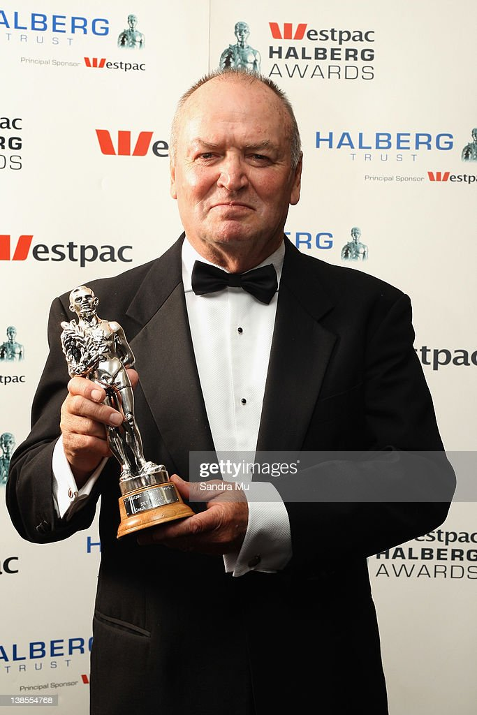 Sir <a gi-track='captionPersonalityLinkClicked' href=/galleries/search?phrase=Graham+Henry&family=editorial&specificpeople=209410 ng-click='$event.stopPropagation()'>Graham Henry</a> poses with his award for Coach of the Year during the 2012 Halberg Awards at Sky City Convention Centre on February 9, 2012 in Auckland, New Zealand.