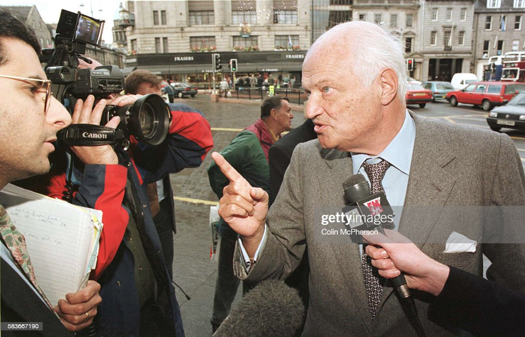 Sir James Goldsmith leader of the Referendum Party talking to the press prior to a regional party meeting at the Caledonian Hotel Edinburgh Goldsmith...