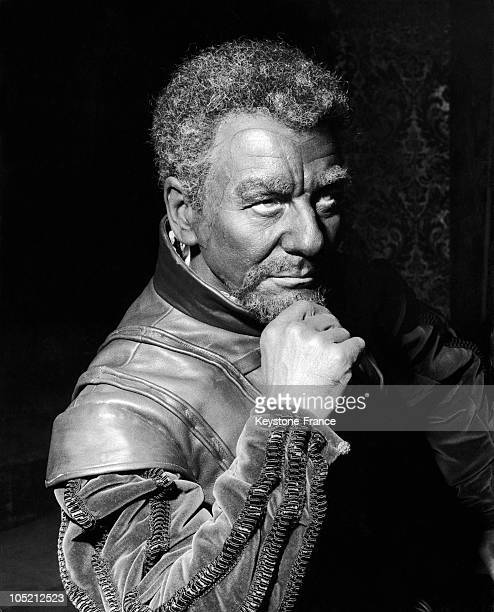 Sir John Gielgud Playing The Role Of Othello At The Royal Shakespeare Theatre In StatfordUponAvon The Home Town Of William Shakespeare In England