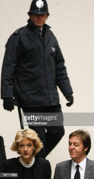 Sir Paul McCartney arrives at the High Court with his lawyer Fiona Shackleton on February 15 2008 in London England Sir Paul McCartney and Heather...