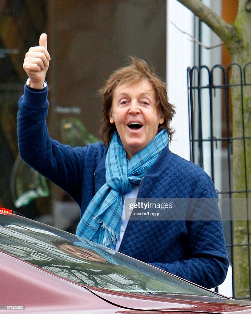 Sir <a gi-track='captionPersonalityLinkClicked' href=/galleries/search?phrase=Paul+McCartney&family=editorial&specificpeople=92298 ng-click='$event.stopPropagation()'>Paul McCartney</a> is seen taking a shopping trip in Primrose Hill on March 19, 2015 in London, England.