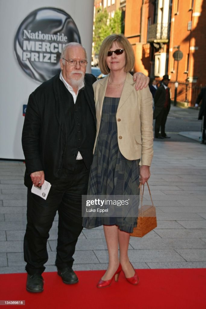 Sir <a gi-track='captionPersonalityLinkClicked' href=/galleries/search?phrase=Peter+Blake&family=editorial&specificpeople=239082 ng-click='$event.stopPropagation()'>Peter Blake</a> arriving at the Nationwide Mercury Prize on September 4 2007 at the Grovesnor House Hotel in London, England.