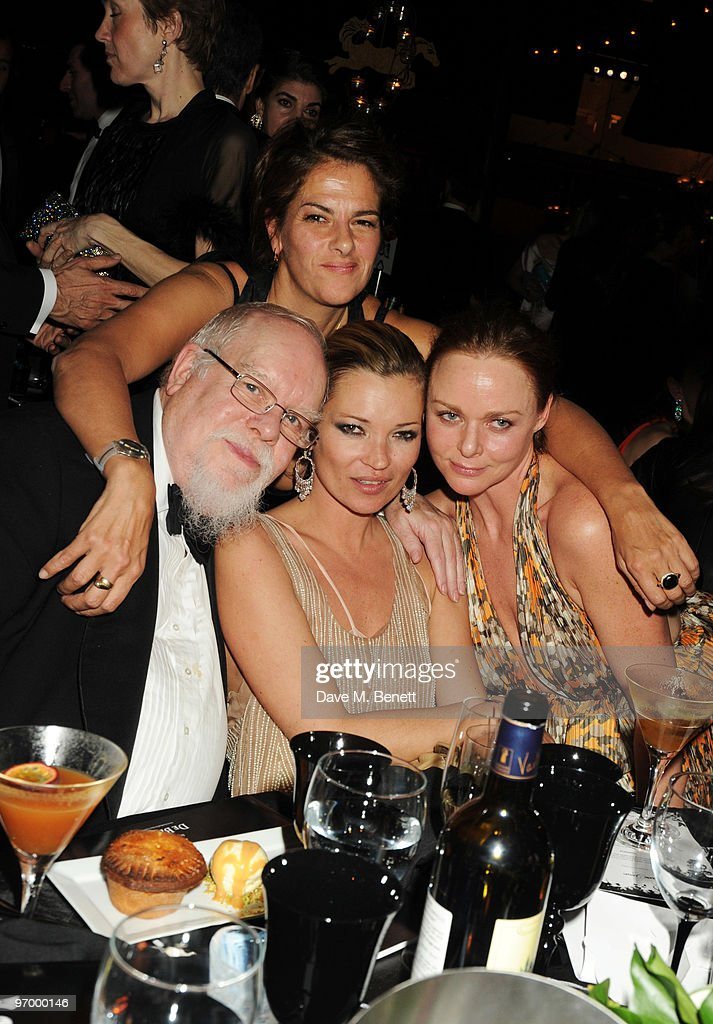 Sir <a gi-track='captionPersonalityLinkClicked' href=/galleries/search?phrase=Peter+Blake&family=editorial&specificpeople=239082 ng-click='$event.stopPropagation()'>Peter Blake</a>, <a gi-track='captionPersonalityLinkClicked' href=/galleries/search?phrase=Kate+Moss&family=editorial&specificpeople=201830 ng-click='$event.stopPropagation()'>Kate Moss</a>, Stella McCartney and <a gi-track='captionPersonalityLinkClicked' href=/galleries/search?phrase=Tracey+Emin&family=editorial&specificpeople=203219 ng-click='$event.stopPropagation()'>Tracey Emin</a> attend the Love Ball London, at the Roundhouse on February 23, 2010 in London, England.