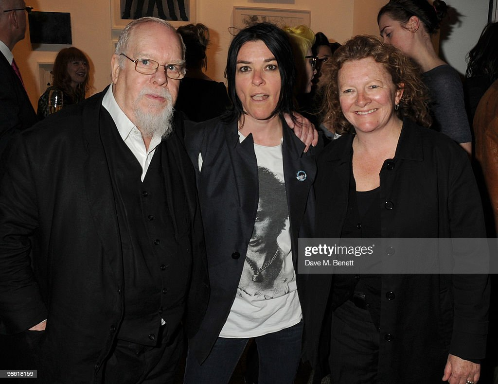 Sir <a gi-track='captionPersonalityLinkClicked' href=/galleries/search?phrase=Peter+Blake&family=editorial&specificpeople=239082 ng-click='$event.stopPropagation()'>Peter Blake</a>, Sue Webster and Rachel Whiteread attend the Art Plus Music Party, at the Whitechapel Gallery on April 22, 2010 in London, England.