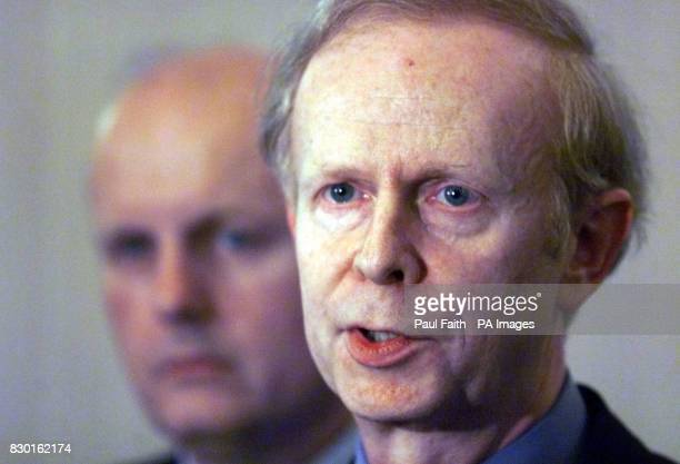 Sir Reg Empey Ulster Unionist Party Negotiator speaking to the media at Parliament Buildings following a further round of talks with Sinn Fein *...
