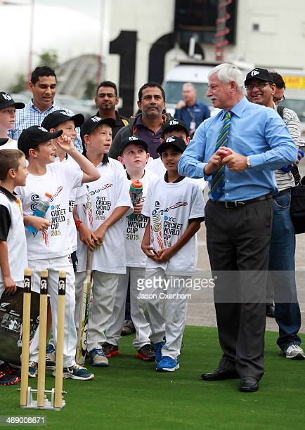 Sir Richard Hadlee chats to young cricketers at Queen's Wharf in Auckland for the 2015 Cricket World Cup launch on February 13 2014 in Auckland New...