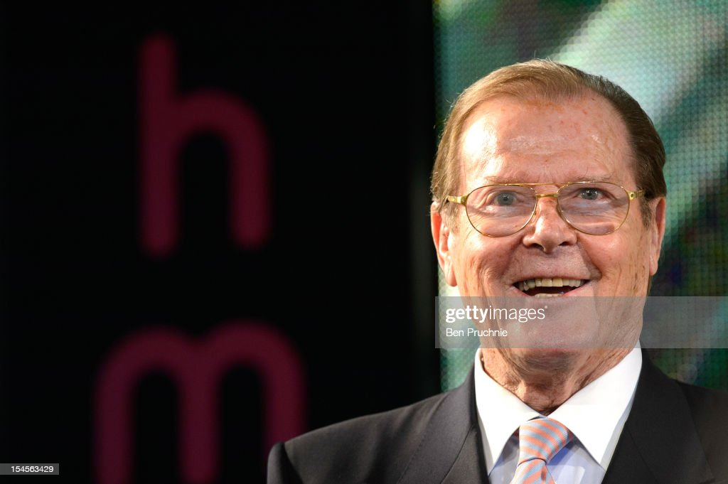 Sir Roger Moore - Book Signing