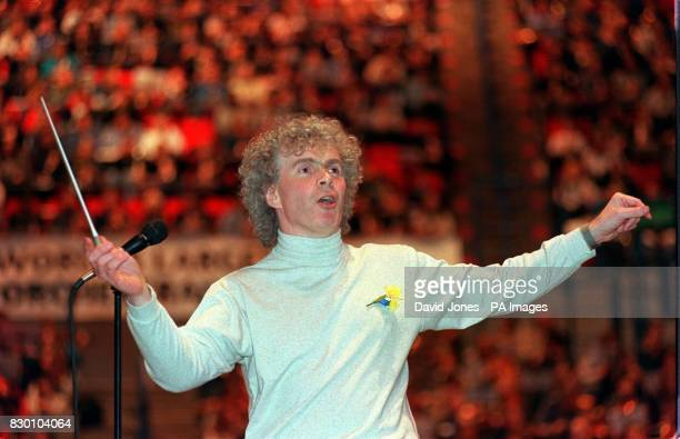 Sir Simon Rattle rehearsing with the City of Birmingham Symphony Orchestra 23/6/99 Rattle will be the next chief conductor of the Berlin Philharmonic...