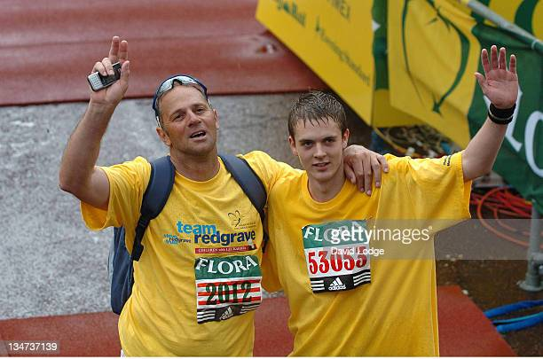 Sir Steve Redgrave during The 2006 Flora London Marathon in London Great Britain