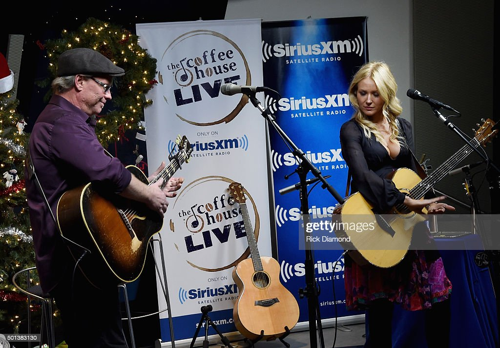 SiriusXM Acoustic Christmas With Jewel And <a gi-track='captionPersonalityLinkClicked' href=/galleries/search?phrase=Shawn+Mullins&family=editorial&specificpeople=3255964 ng-click='$event.stopPropagation()'>Shawn Mullins</a> at SiriusXM Music City Theatre on December 14, 2015 in Nashville, Tennessee.