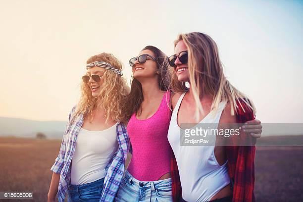 Comme dans Quatre filles et un jean