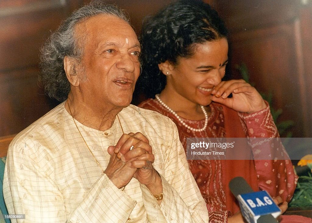 Sitar maestro Pandit Ravi Shankar and his daughter Anoushka Shankar duding a press conference at Lady Irwin college on on March 19, 1999 in New Delhi, India. Sitar maestro and Bharat Ratna Pandit Ravi Shankar passed away at age of 92 in San Diego on December 11, 2012.