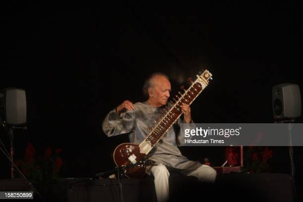 Sitar maestro Pandit Ravi Shankar performing on March 01 2009 in New Delhi India Sitar maestro and Bharat Ratna Pandit Ravi Shankar passed away at...