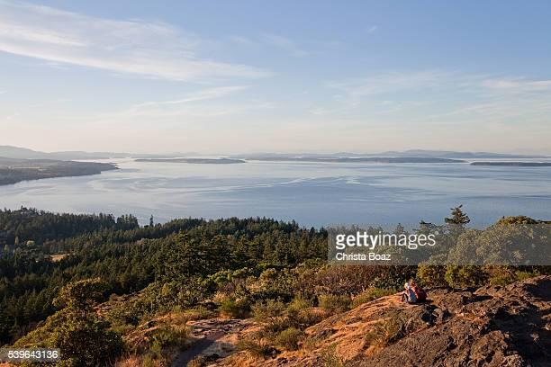 Sitzbereich auf dem Gipfel des Mount Douglas