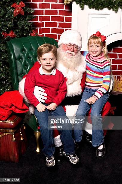 Santa seduto con