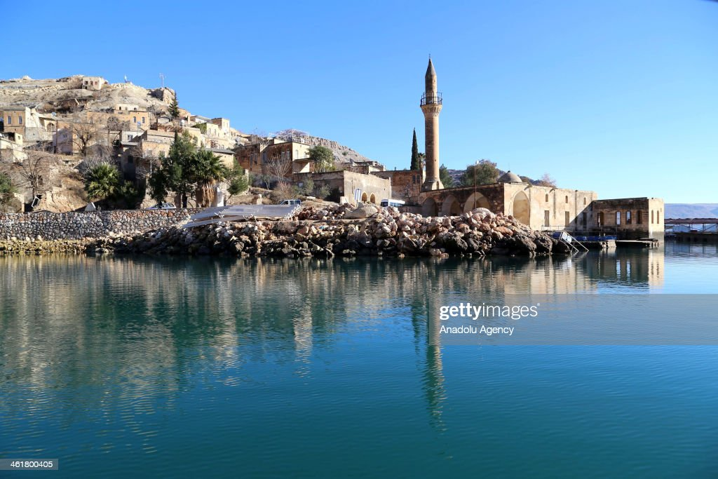 Situated in the east bank of the river Euphrates in Sanliurfa Province in Turkey, Halfeti is one of the nine cittaslows of Turkey. Most of the village were submerged in the 1990s under the waters due to the the Birecik dam, constructed in between 1985-2000, Halfeti hosts approximately 200 thousands of visitors per year.