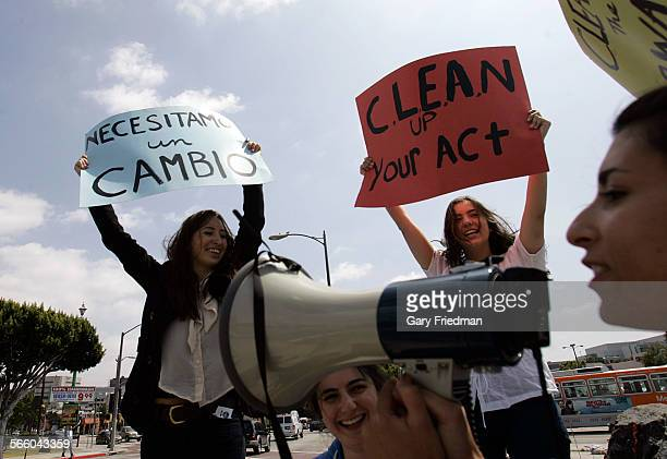 Six 12th grade students from Wildwood School in Los Angeles joined a diverse group of carwash workers college students and members of CLEAN at a...