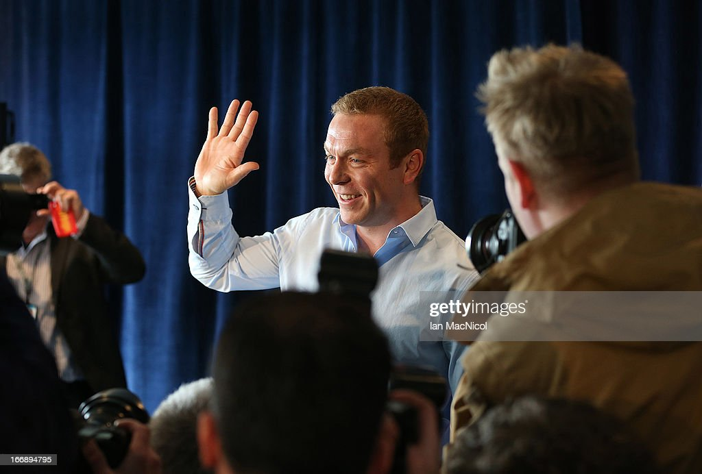 Six-time Olympic gold medallist Sir Chris Hoy waves as he announces his retirement at a press conference at Murrayfield stadium on April 18, 2013 in Edinburgh, Scotland.