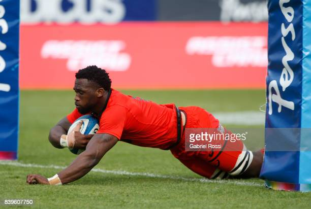 Siya Kolisi of South Africa makes a try during the round two match between Argentina and South Africa as part of The Rugby Championship 2017 at Padre...