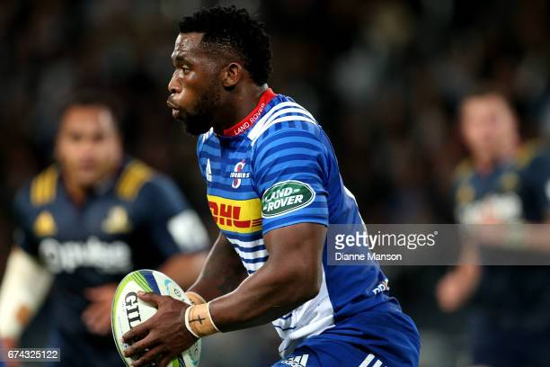 Siya Kolisi of the Stormers runs the ball during the round 10 Super Rugby match between the Highlanders and the Stormers at Forsyth Barr Stadium on...