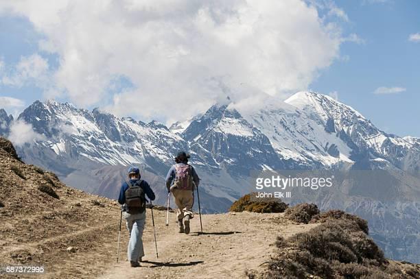 Siyarko Tangk Danda crest trail with Dhaulagiri II