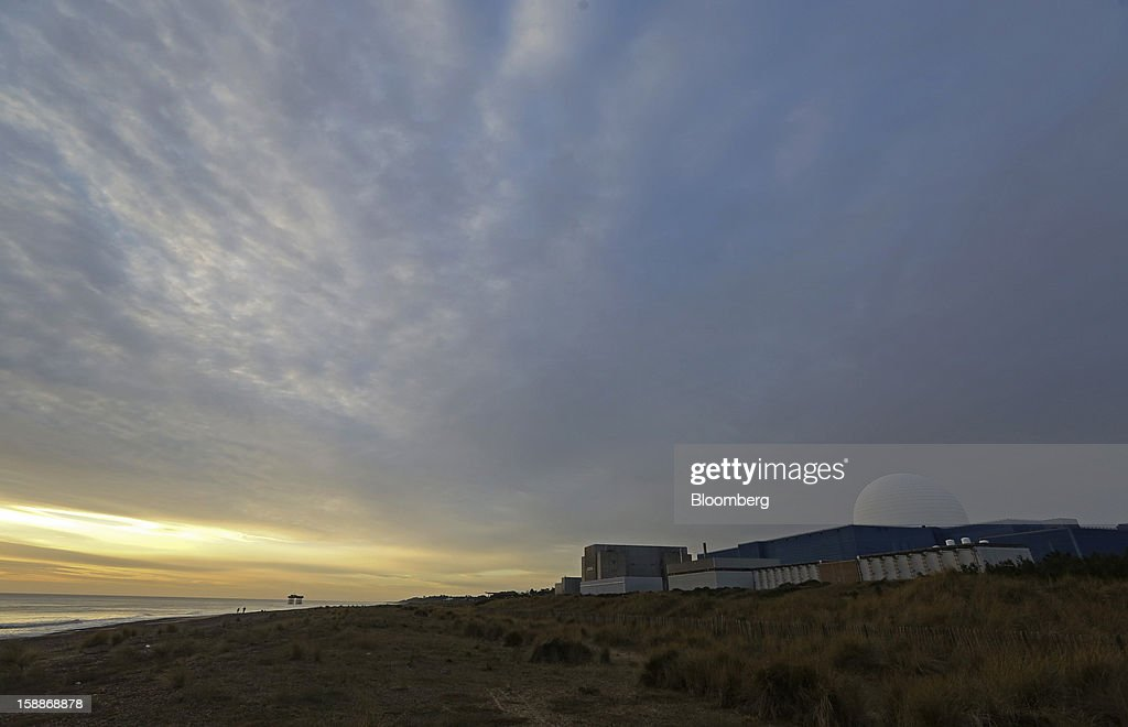 Sizewell A, left, and B, right, nuclear power stations, operated by Electricite de France SA (EDF), stand in Sizewell, U.K., on Wednesday, Jan. 2, 2013. EDF operates eight U.K. atomic power stations and has proposed to add Areva reactors at its Hinkley Point and Sizewell sites. Photographer: Chris Ratcliffe/Bloomberg via Getty Images