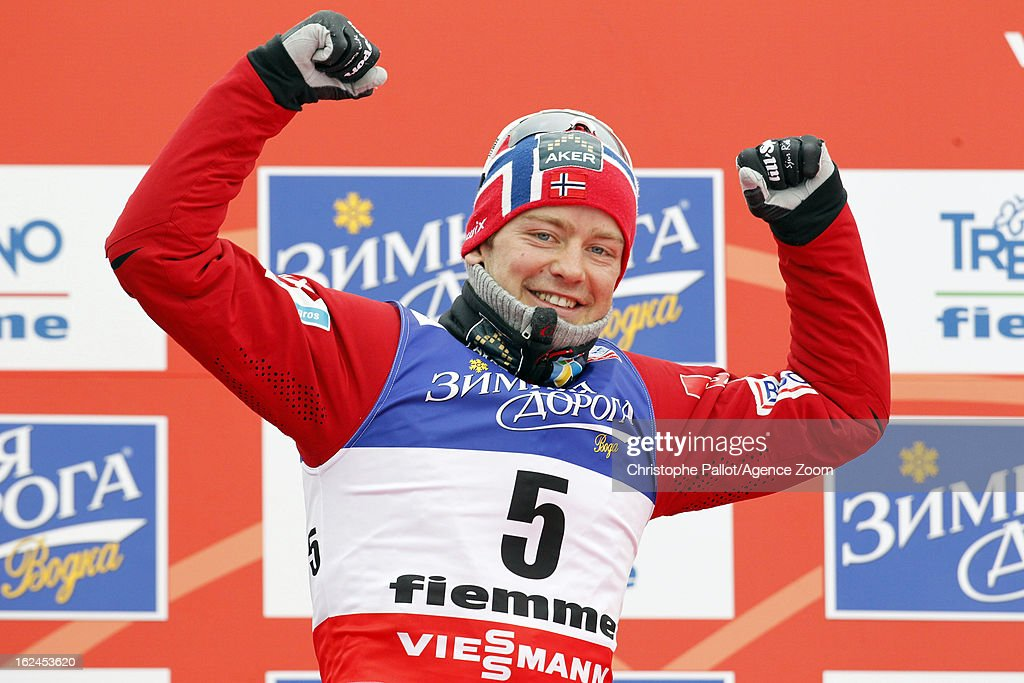 Sjur Roethe of Norway takes the bronze medal during the FIS Nordic World Ski Championships Men's Cross Country Skiathlon on February 23, 2013 in Val di Fiemme, Italy.
