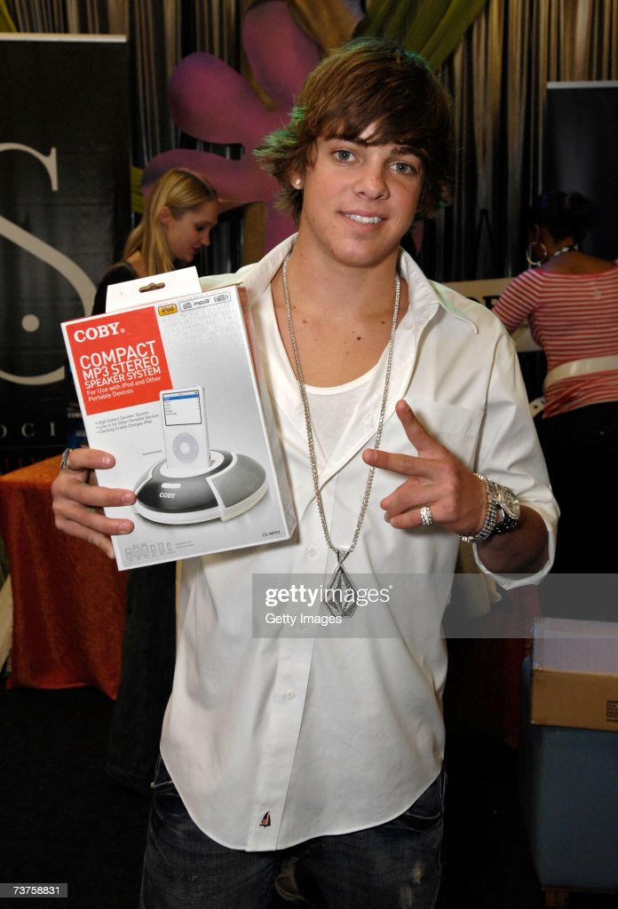 Skateboarder Ryan Sheckler poses with the Coby display in the Distinctive Assets gift lounge during the 20th annual Kid's Choice Awards at Pauley...