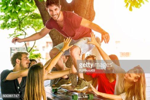 Faire du skate-board sur table